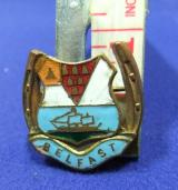 Lucky horseshoe belfast crest coat of arms brooch badge